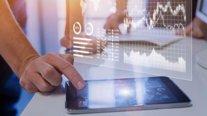 Moderne tjenester forbedres ved bruk av intelligent automatisering (IA) sammen med den tradisjonelle integrasjonen på tvers av systemer.